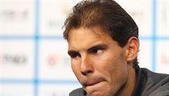 'Plešatý' Nadal si nechal transplantovat vlasy. Federer zaujal culíkem