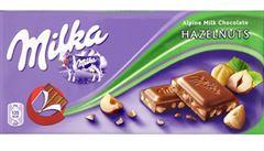 Mondeléz stahuje čokoládu Milka s drcenými oříšky. V jedné šarži našla 'zásaditou látku'