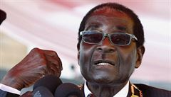 Zeman bude jednat s Putinem a začne proces odvolání Mugabeho