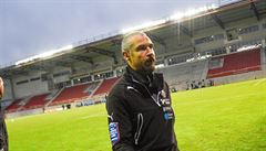 Legendární Henrik Larsson rezignoval poté, co ho napadli maskovaní fanoušci