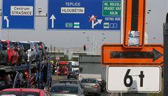 Proč jsou věčně zácpy na Pražském okruhu? Odpovídal exministr dopravy Antonín Prachař