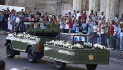 Urna s popelem Fidela Castra je na pouti do Santiaga. Pohřeb bude v neděli