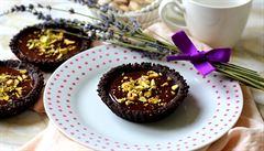 Smyslná čokoláda s oříšky. Vyzkoušejte tartaletky s pistáciemi