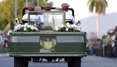 Castrův pohřeb proběhl v rodinném kruhu. Smutečnímu průvodu mávaly tisíce lidí