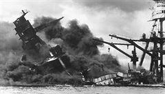 Dvojčata rozdělil útok na Pearl Harbor. Po 75 letech spolu spočinou na dně moře