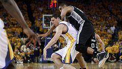 NBA: Warriors lehce přehráli Clippers, Cleveland dominoval v New Yorku