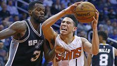 NBA: Basketbalisté San Antonia vybojovali další venkovní výhru