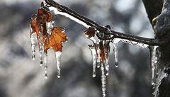 V noci bude mrznout, teploty klesnou až k minus osmi. Bude se tvořit náledí
