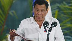 Zabít čtyřletého chlapce i těhotnou ženu. Expolicista promluvil o příkazech filipínského prezidenta