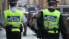 Strážník v Praze nehlásil botičky, peníze od šoférů si nechával. Došla si pro něj policie