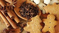Hodně vody a vydatné snídaně. 7 rad, jak o Vánocích neztloustnout