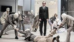 RECENZE: Divadlo jako obraz. Klipovitému SpalovačI mrtvol v Národním divadle chybí životné postavy