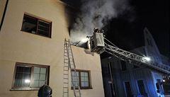 Na Štědrý den bylo více požárů než loni. Šest lidí bylo zraněno