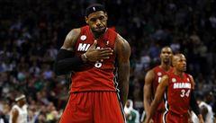 Příběh šampiona NBA nad hrdiny z Ria Bolta a Phelpse. James byl AP zvolen sportovcem roku