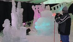 Pustevny zdobí sochy z ledu. Letos jsou inspirované podmořským světem