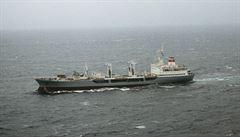 Při explozi plynu na palubě tankeru v Rusku zemřeli tři lidé. Podle svědka výbuch rozerval palubu 'jako konzervu'