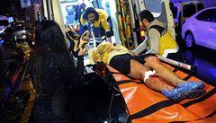 V istanbulském klubu zaútočil muž s kalašnikovem. Zabil 39 lidí, zranil desítky