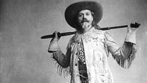 William Cody alias Buffalo Bill a jeho principálská stylizace.