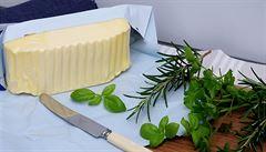 Omezte vývoz másla a nekupujte ho do zásoby, vyzývá šéf Potravinářské komory