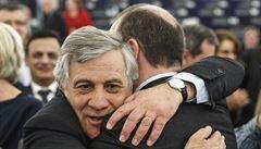 Nový šéf europarlamentu je držitel mnoha řádů a dávný Berlusconiho spojenec