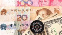 Čínský vývoz padl nejvíc za sedm let. Země se bojí Trumpa a obchodní války