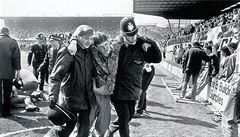 POHNUTÉ OSUDY: Fotbalové peklo jménem Hillsborough. Po fatální chybě policie vyhaslo 96 životů