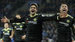 Jako mávnutím kouzelného proutku. Kdo je čarodějem, který vede Chelsea k titulu?