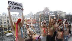 Konec polonahých aktivistek? Hnutí Femen se rozpadlo, říká jedna ze zakladatelek