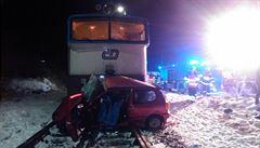 Ranní srážka vlaku s autem ve Vejprnicích si vyžádala tři oběti