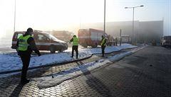 Škody po požáru výrobní haly u Mostu přesáhnou sto milionů korun
