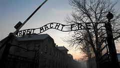 Za 'polské tábory smrti' až tři roky vězení. Polsko bude trestat spojování země s holocaustem