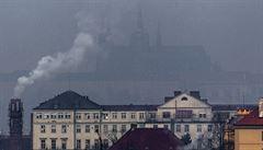 Smog dále přetrvává v Praze i na severu Moravy