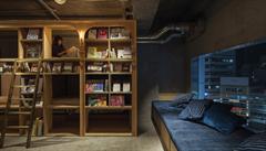 Ubytování v miniaturních buňkách. Japonský hotel se zaměřil na knihomoly