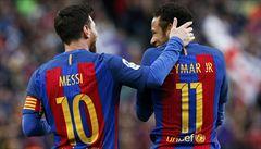 Barcelona si poradila s Bilbaem, Sevilla ztratila. Duel Realu zrušila bouře
