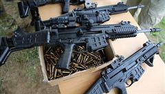 Nový Zéland začíná s výkupem zbraní, jež zakázali po útoku v Christchurchi. Vláda plánuje utratit 3 miliardy korun