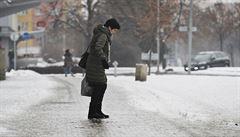 Na východě republiky se může tvořit ledovka. Meteorologové nabádají k opatrnosti