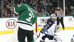 NHL: Pavelec uhájil těsný náskok Winnipegu. Činil se také Neuvirth