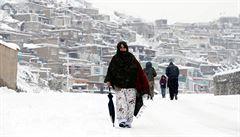 Vytrvalé sněžení a laviny mají v Afghánistánu už přes 100 obětí