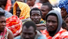 Itálie schválila pomoc vojenského námořnictva pro Libyi, převaděčům migrantů to ztíží podmínky