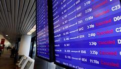 Na kompenzace za zrušené lety nejsou peníze. Cestující mohou jen čekat, zda aerolinky přežijí