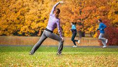 Plný jógový dech pomáhá zahnat napětí, říká psychoterapeut