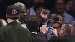 VIDEO: Byl hvězdou Knicks, nyní nesmí do haly. Moc pije, tvrdí majitel klubu