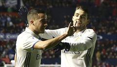 Real porazil Pamplonu a zůstal první, Barcelona rozdrtila Alavés