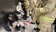 Všechny upálím, křičel prý muž, který se zapálil v hongkongském metru