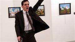 'Morálně problematická fotografie vraždy.' Snímek roku vyvolal kontroverze i mezi porotci