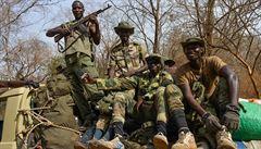 Davy zabíjely v ulicích Malawi 'upíry' - upalovaly je a kamenovaly. Zatčených je 140