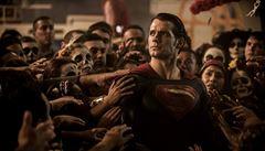 Po Supermanovi a zaklínači agentem 007? Novým Jamesem Bondem může být herec Henry Cavill