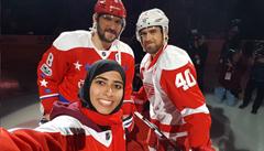 Ženu v hidžábu má každý rád. Hvězdy NHL opěvují umění arabské hokejistky