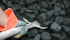 Praha zakáže topení uhlím a briketami ve starých kotlích. V metropoli je využívají stovky domácností