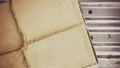 Můžete do ní dát cokoli. Jak a kdy vznikla papírová krabice?